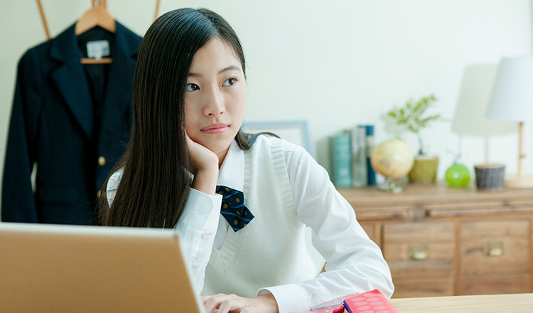 家で勉強しない中学生の子供を勉強させるには?親ができることはある?