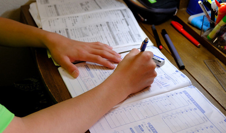 徹夜で勉強すると効率が悪い?最良のやり方と徹夜の回避方法