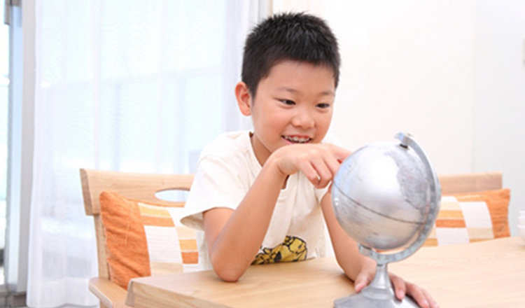 子育て心理学:みずから学ぶ子になる!? 知的好奇心を育てるコツ